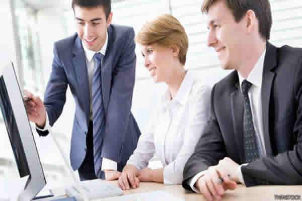 Quais as diferenças de uma contratação online de uma contratação presencial?